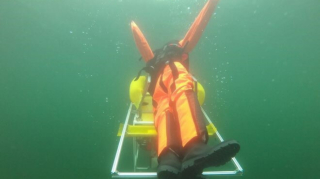 An underwater robot saves swimmers from drowning