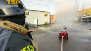 The Swedish Realisator Robotics, together with Scanfil and in close collaboration with the major Swedish rescue services for rescue services worldwide, has developed a fire-fighting robot Fumo.